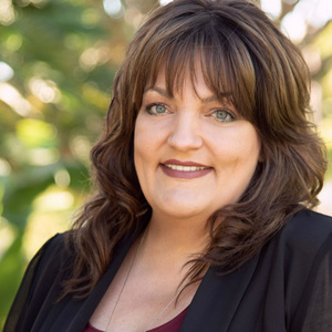 Donna Castaneda,                       Agent in Los Angeles - Compass