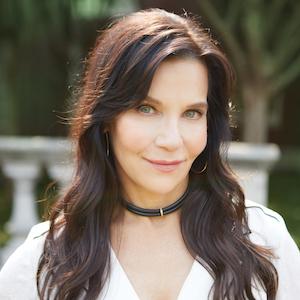 Gianna Cerullo,                       Agent in Dallas-Fort Worth - Compass