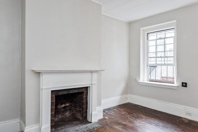 49 South Russell Street, Unit 4 Boston, MA 02114