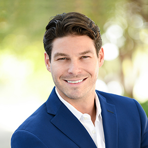 Alex Golden,                     Agent in Miami - Compass