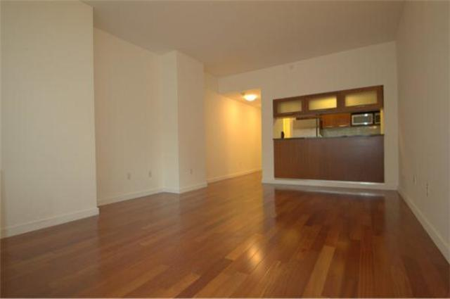 121 East 23rd Street, Unit 8C Image #1
