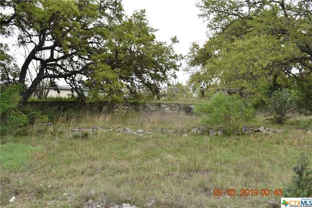 300 Village Top Canyon Lake, TX 78133
