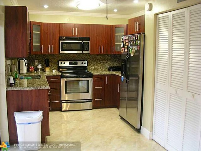 2111 Bayberry Drive, Unit 2111 Image #1
