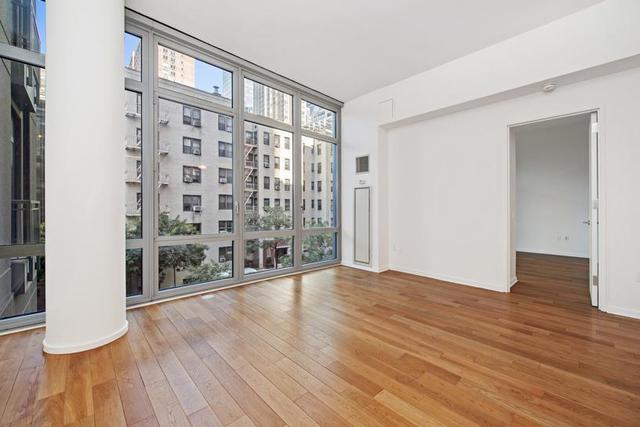 310 West 52nd Street, Unit 3H Image #1