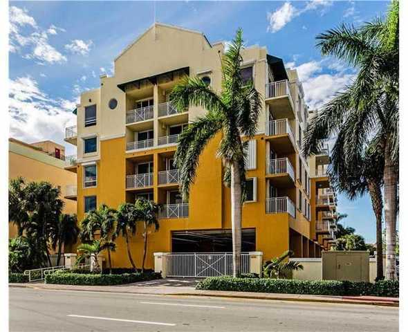 2642 Collins Avenue, Unit 411 Image #1