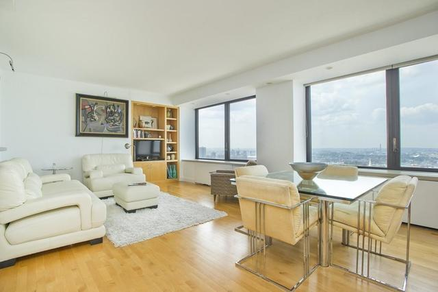 85 East India Row, Unit 37H Image #1