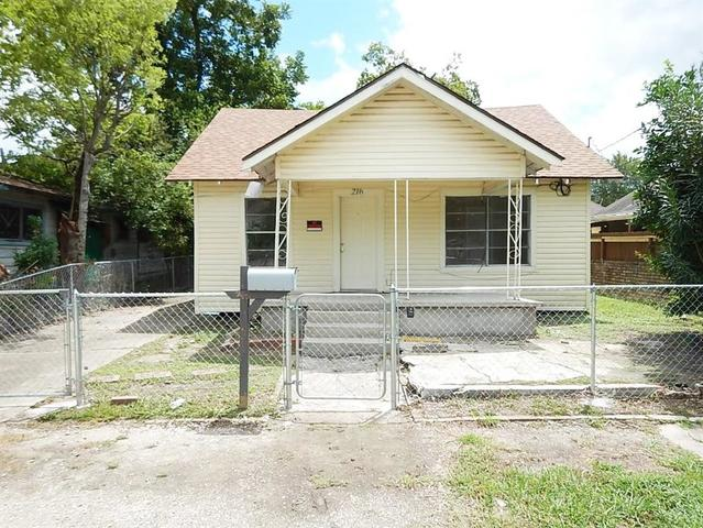 216 Hutcheson Street Houston, TX 77003