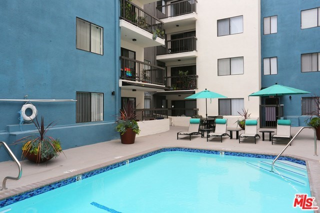 1425 North Alta Vista Boulevard, Unit 402 Los Angeles, CA 90046