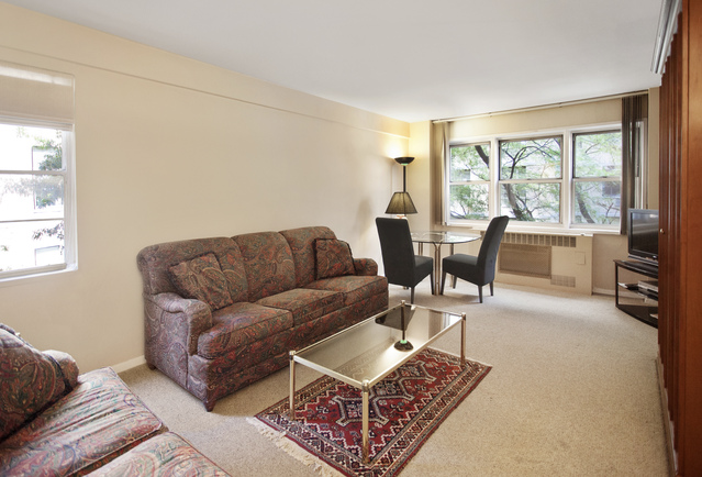 321 East 45th Street, Unit 5C Image #1
