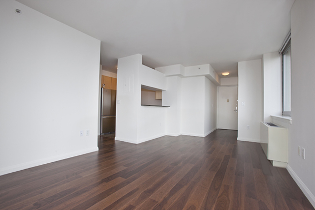 561 10th Avenue, Unit 31A Manhattan, NY 10036