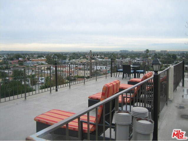 3111 4th Street, Unit 220 Santa Monica, CA 90405