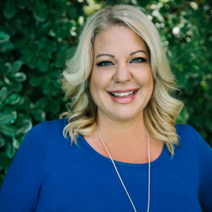 Liz Kaseno,                     Agent in Los Angeles - Compass