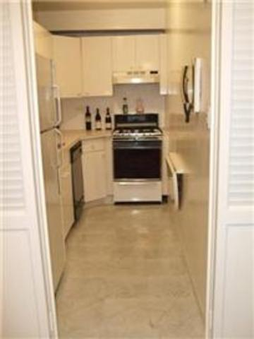 251 East 51st Street, Unit 5C Image #1