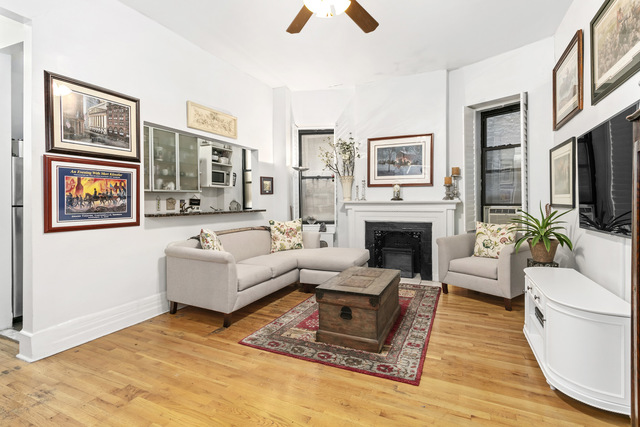 342 West 56th Street, Unit 2C Manhattan, NY 10019