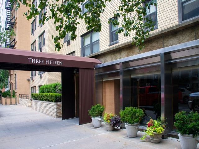 315 East 69th Street, Unit 6G Image #1