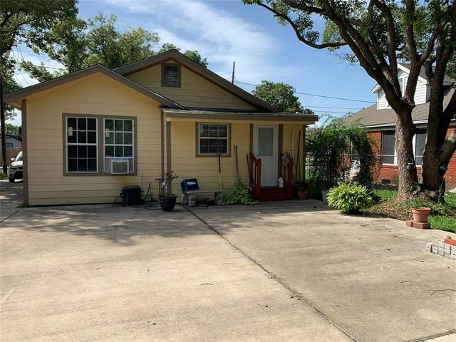 2006 Carolina Avenue Baytown, TX 77520