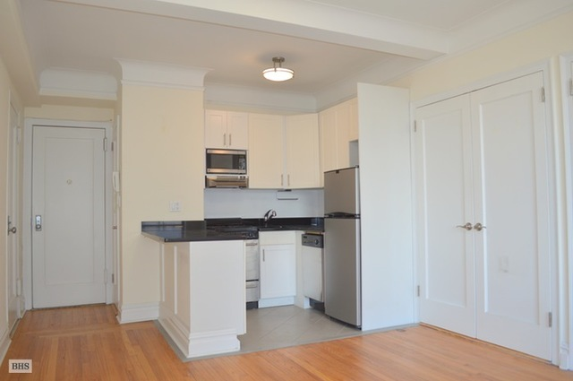 440 West 34th Street, Unit 15D Image #1