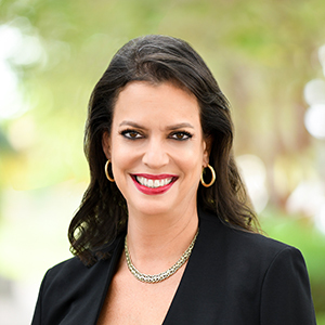Angela Vazquez,                     Agent in Miami - Compass