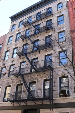 274 Mott Street, Unit 4B Manhattan, NY 10012