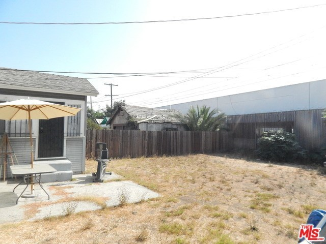 1040 West 78th Street Los Angeles, CA 90044
