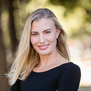 Abbey Oglesby, Agent in Los Angeles - Compass