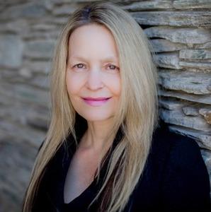 Lisa Waltman,                     Agent in San Diego - Compass