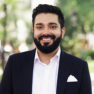 Ravi Manglani,                     Agent in NYC - Compass