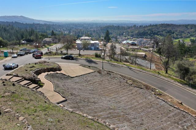 3725 Crown Hill Drive Santa Rosa, CA 95404