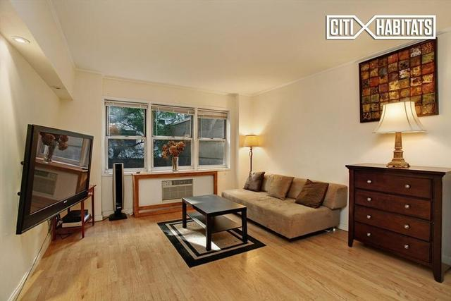 321 East 45th Street, Unit 2H Image #1