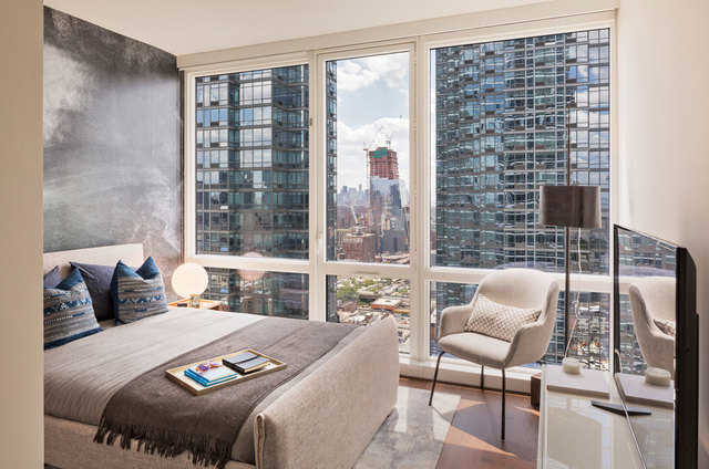 605 West 42nd Street, Unit 64R Image #1