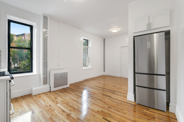 551 Hudson Street, Unit 1 Manhattan, NY 10014