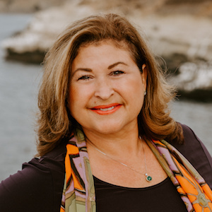 Rosa Buettner,                     Agent in San Diego - Compass