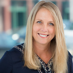 Tracey Becker,                     Agent in Los Angeles - Compass