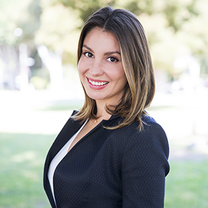 Laura Kay, Esq. ,                   Agent in Los Angeles - Compass