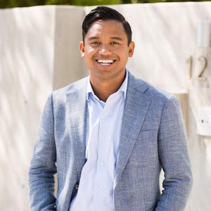 Justin Alexander,                       Agent in Los Angeles - Compass