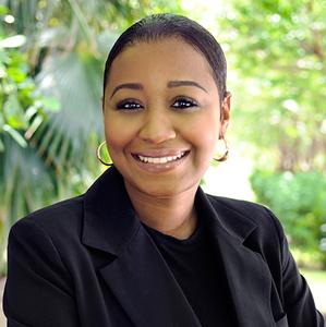 Yara Damas,                     Agent in Miami - Compass