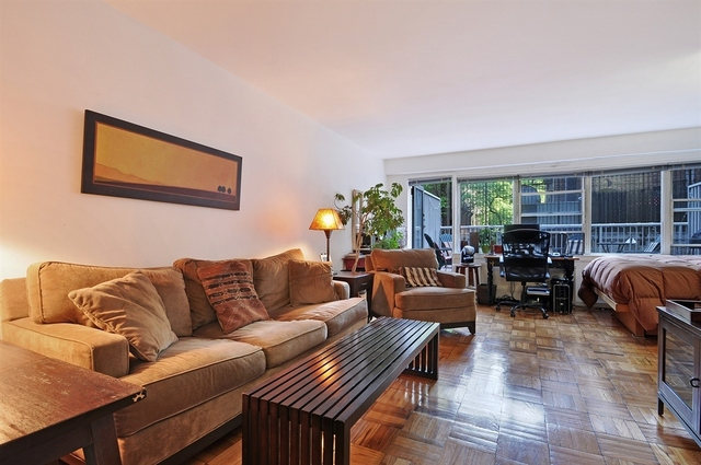 101 West 12th Street, Unit 2C Image #1