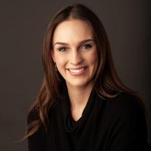 Courtney Spalten,                       Agent in Dallas-Fort Worth - Compass