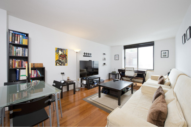 2 South End Avenue, Unit 3U Image #1