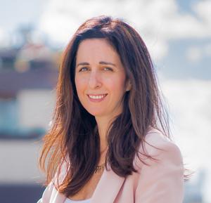 Elizabeth Schwartz,                     Agent in NYC - Compass