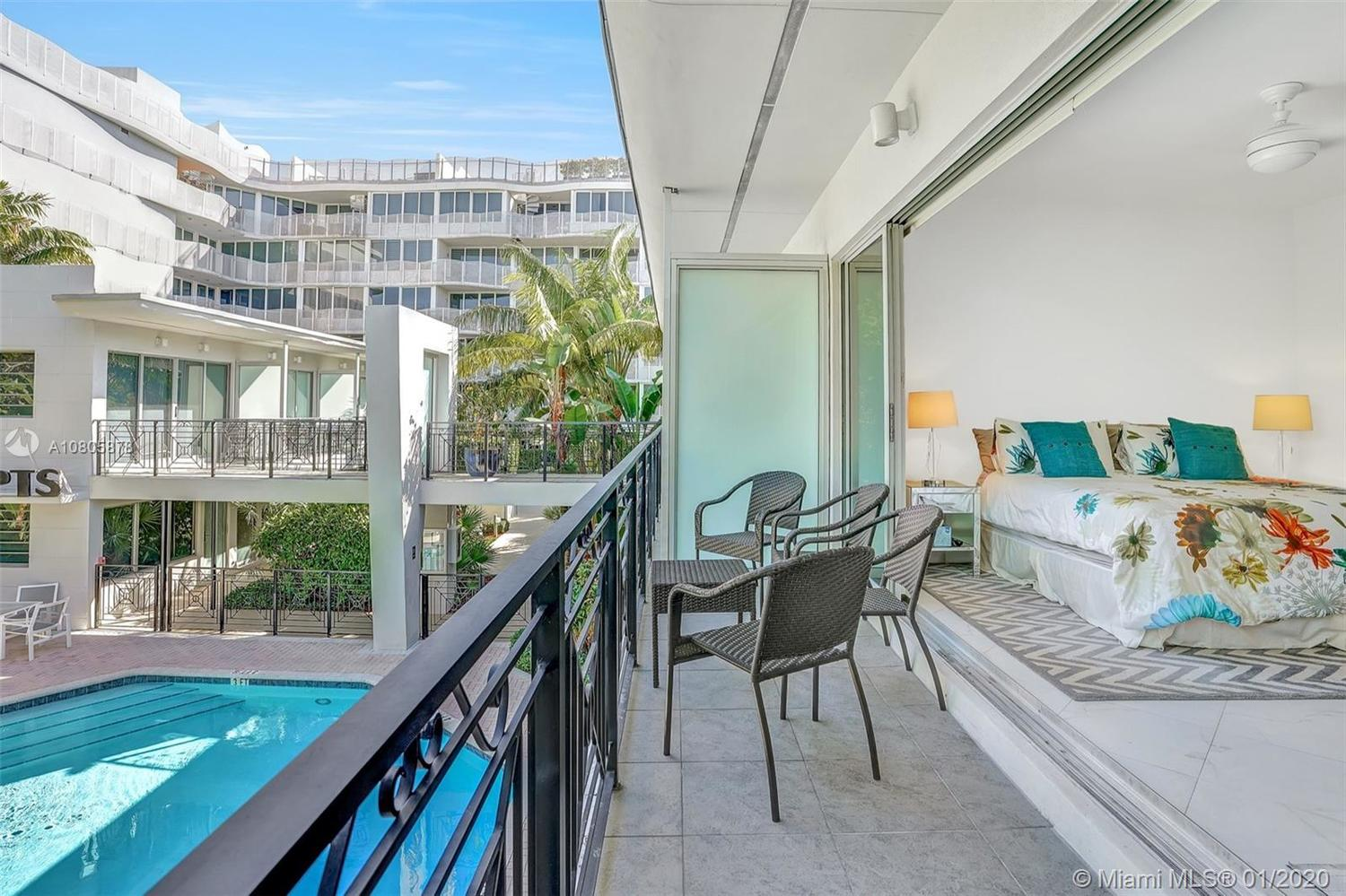 2135 Washington Court, Unit TH5 Miami Beach, FL 33139