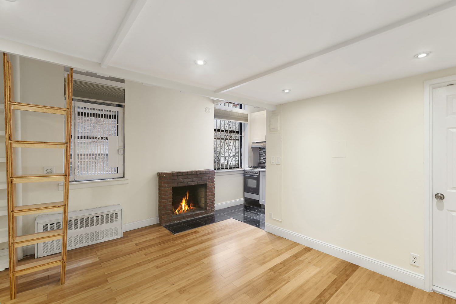 327 West 85th Street, Unit 1C Manhattan, NY 10024