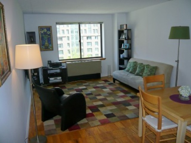 280 Rector Place, Unit 7D Image #1