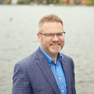 Jason Foss,                     Agent in Seattle - Compass