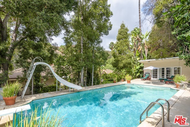 1902 Coldwater Canyon Drive Beverly Hills, CA 90210