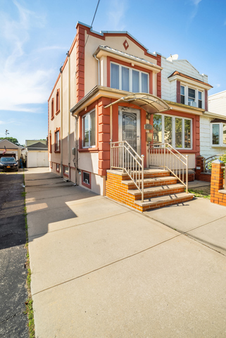 Maspeth Queens Homes For Sale Maspeth Real Estate Compass
