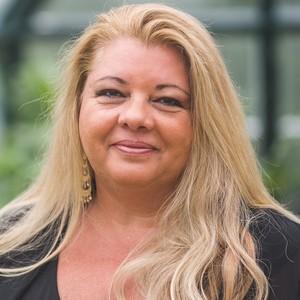 April Gasparino, Agent in Greenwich, CT - Compass