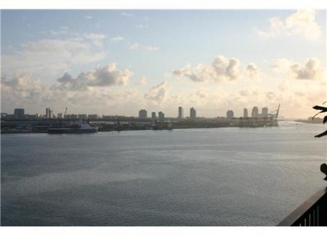 520 Brickell Key Drive, Unit A1702 Image #1