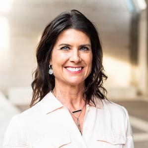 Sharon Crockett,                       Agent in Dallas-Fort Worth - Compass
