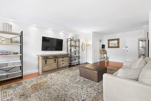 20 East 9th Street, Unit 7X Manhattan, NY 10003